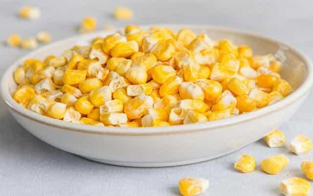 Уловистая насадка кукуруза